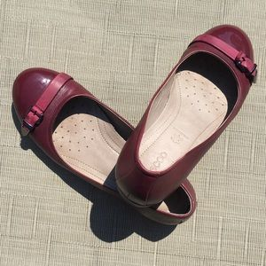 Ecco Leather Flats With Buckle